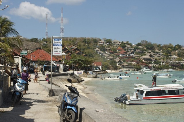 nusa-lembongan-shore-1024x682