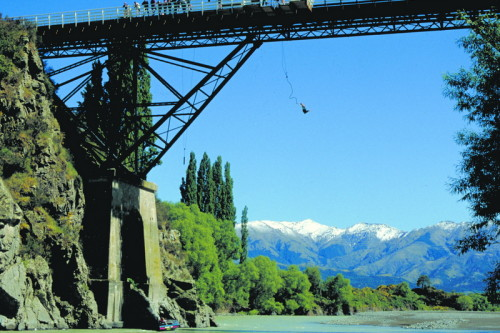 Waiau Riverbridge Bungy Jumping