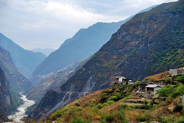 tiger leaping gorge yunnan